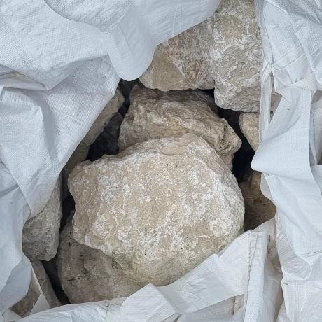 Travertin fehér fagyálló zúzott kő 25-50 mm Big Bag  0,35 m3