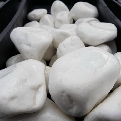 Lakkozott fehér kő 6-10 cm 8 kg DOBOZOS
